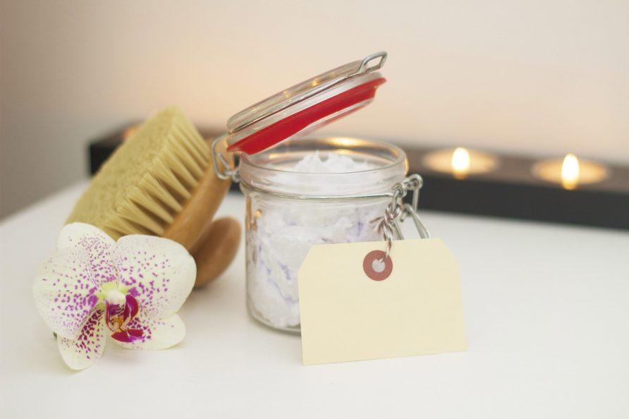 Nous proposons différents types de massages relaxants, de traitements d'exfoliation et d'enveloppements d'huiles corporelles exclusifs.
